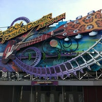 Photo taken at Rock'n' Roller Coaster With Aerosmith by Silvester on 3/22/2012