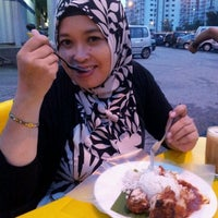 Photo taken at Nasi Lemak Zan by Putri Ira F. on 5/20/2012