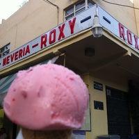 Photo taken at Nevería Roxy by Jorge L. on 4/8/2012