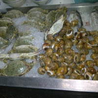 Photo taken at ทะเลริมทาง Seafood by Chaimett pepe S. on 12/29/2011