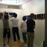 Photo taken at フラッグギンザキャラリー by petitetomo on 7/31/2012