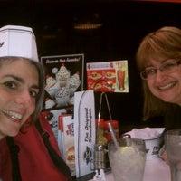 Photo taken at Steak 'n Shake by Shannan R. on 12/29/2011