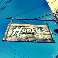 Photo taken at Honey's Sit 'n Eat by Andy O. on 5/12/2012