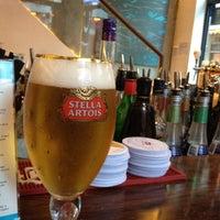 Photo taken at Peak Café & Bar 山頂餐廳酒吧 by Masato on 7/4/2012