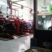 Photo taken at Agung Motor Yamaha by Dedot on 5/11/2011