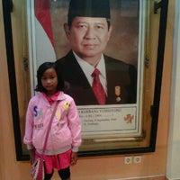 Photo taken at Gedung memorabilia taman pintar by Dewi K. on 12/25/2011