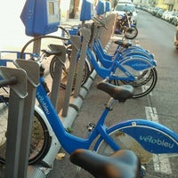 Photo taken at Vélo Bleu (Station No. 28) by Iarla B. on 8/25/2011