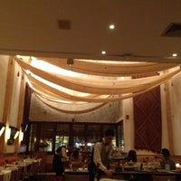 Photo taken at Restaurante Arabia by Hubert A. on 6/13/2012