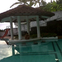 Photo taken at Villa bukit trawas by Achmad J. on 11/8/2011