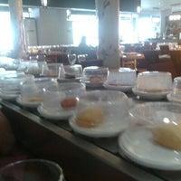 Photo taken at Restaurante Japonés Sakura VII by Edgar N. on 3/29/2012