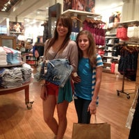 Photo taken at American Eagle Outfitters by Alex A C. on 5/26/2012