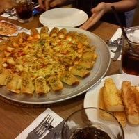 Photo taken at Pizza Hut by Syazwan M. on 6/25/2012