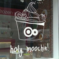 Photo taken at Moochie Frozen Yogurt by Nathalie D. on 5/21/2012
