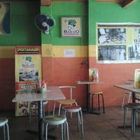 Photo taken at Bakso Kepala Sapi by Rafiqa S. on 2/23/2012