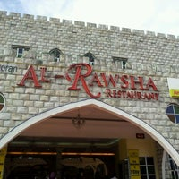 Photo taken at Al Rawsha Restaurant by Muzafar M. on 3/31/2012