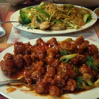 Photo taken at Oriental Express by Kevin C. on 9/14/2011