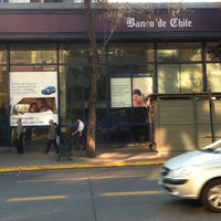 Photo taken at Banco de Chile by Jose alfredo C. on 9/13/2011