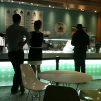 Photo taken at Pinkberry by Travis C. on 10/23/2011