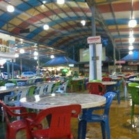 Photo taken at Maza Jungle Food Court by Faiz F. on 3/12/2012