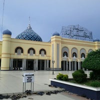 Photo taken at Masjid Agung Al Karomah Martapura by Harjuno S. on 3/27/2012