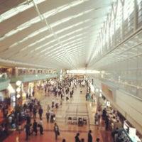 Photo taken at Tokyo (Haneda) International Airport (HND) by Merci_ZIZOU on 5/23/2012