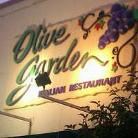 Photo taken at Olive Garden by Carrie S. on 8/12/2012