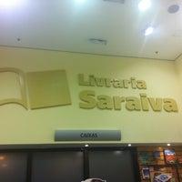 Photo taken at Livraria Saraiva by Júlia M. on 7/24/2011