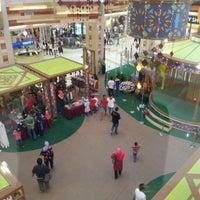 Photo taken at AEON Bukit Tinggi Shopping Centre by 私はハキムよ on 7/29/2012