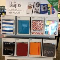 Photo taken at Barnes & Noble by misatoast on 6/25/2012
