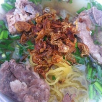 Photo taken at Bún Quán by  Bunny . on 2/25/2012