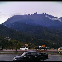 Photo taken at Pekan Kundasang by Enchektola on 6/8/2012