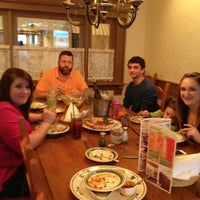 Photo taken at Olive Garden by Tonya D. on 4/17/2012