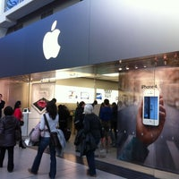 Photo taken at Apple Eaton Centre by Norman C. on 4/5/2012