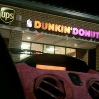 Photo taken at Dunkin Donuts by Arianna H. on 12/28/2011