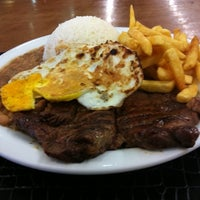 Photo taken at Super Grill Express by Bruno R. on 1/4/2011
