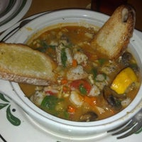 Photo taken at Olive Garden by Nicole W. on 9/8/2012
