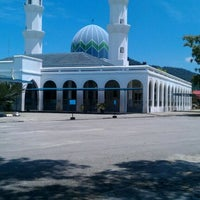 Photo taken at Masjid Alang Iskandar KDSK by Ahmad Safrin A. on 5/8/2012