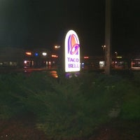 Photo taken at Taco Bell by Nick S. on 12/23/2011