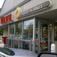 Photo taken at Wawa Food Market #494 by Brian E. on 10/4/2011