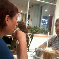 Photo taken at Gelateria Laritza D' by Liza Ornella F. on 2/13/2012