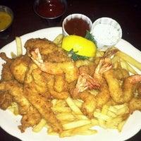 Photo taken at Pappadeaux Seafood Kitchen by Jek J. on 11/18/2011