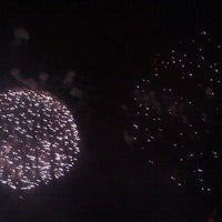 Das Foto wurde bei Macy's 4th of July Fireworks von Steph am 7/5/2011 aufgenommen