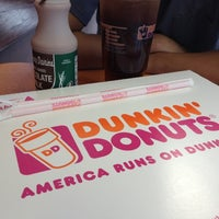 Photo taken at Dunkin' Donuts by Matet E. on 8/14/2012