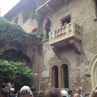Photo taken at Casa di Giulietta by Mara P. on 4/29/2012