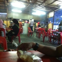 Photo taken at Satay Ismail by Dissy D. on 11/26/2011