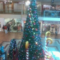 Photo taken at Center Um Shopping by Raquel G. on 11/23/2011