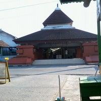 Photo taken at Makam Sunan Kalijaga by Ariefan Dimas M. on 9/3/2011