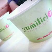 Photo taken at Yumilicious Frozen Yogurt by Beth B. on 5/27/2012