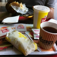 Photo taken at Wendy's by Wan Norfaiezah W. on 8/25/2012