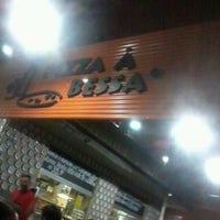 Photo taken at Pizza à Bessa by Jessyca F. on 7/19/2012